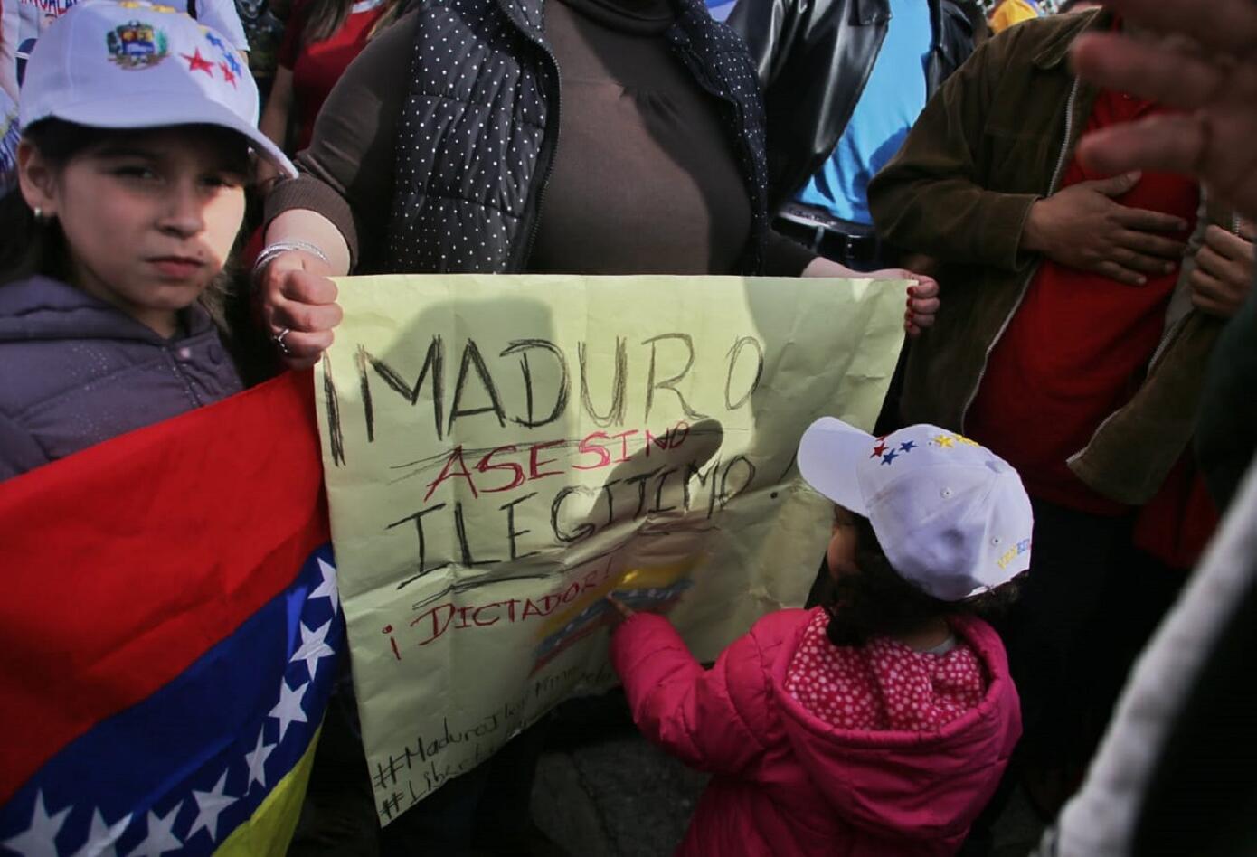 Manifestaciones de venezolanos por nuevo gobierno de Nicolás Maduro