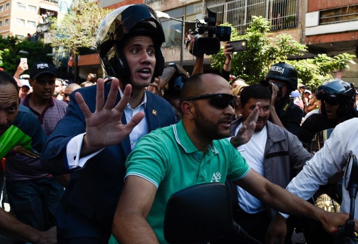 Juan Guaidó se hizo presente en las marchas de Caracas