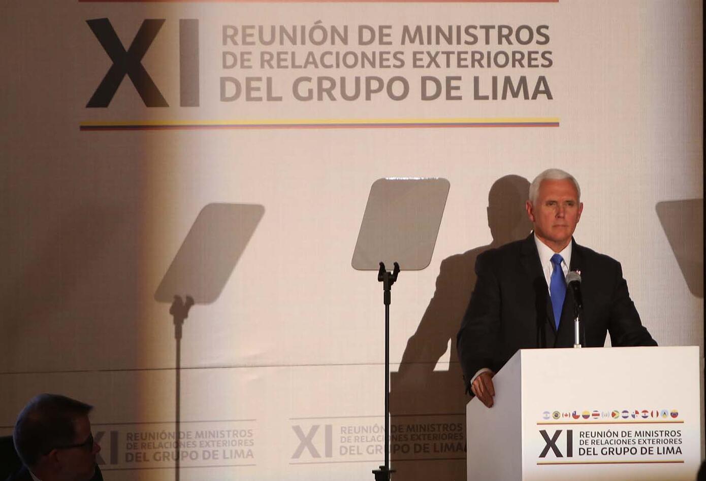 Mike Pence en la reunión del Grupo de Lima en Bogotá.
