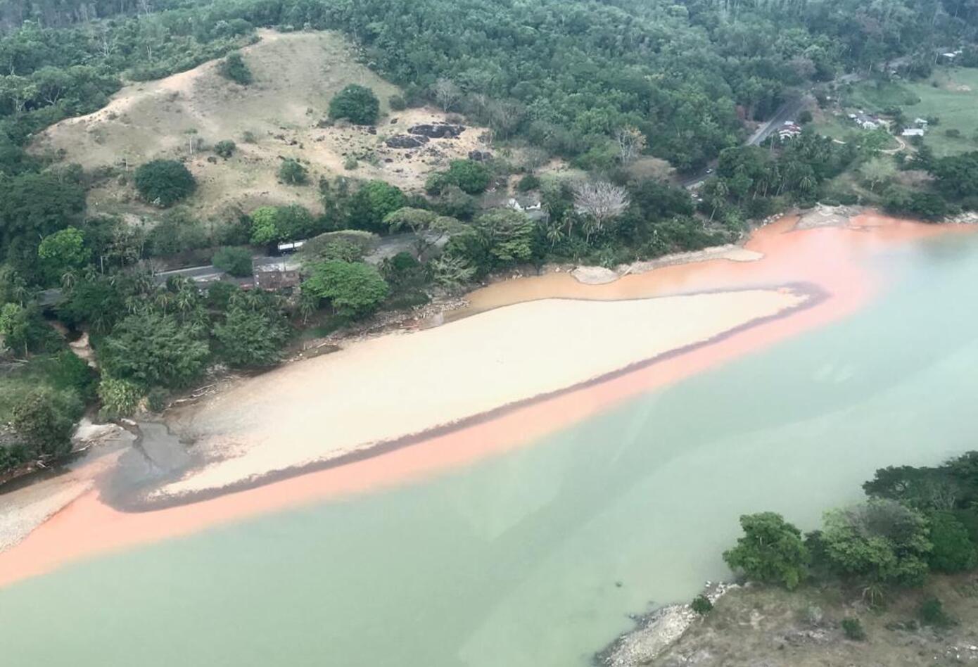 Contraloría evidencia emergencia ambiental en río Cauca