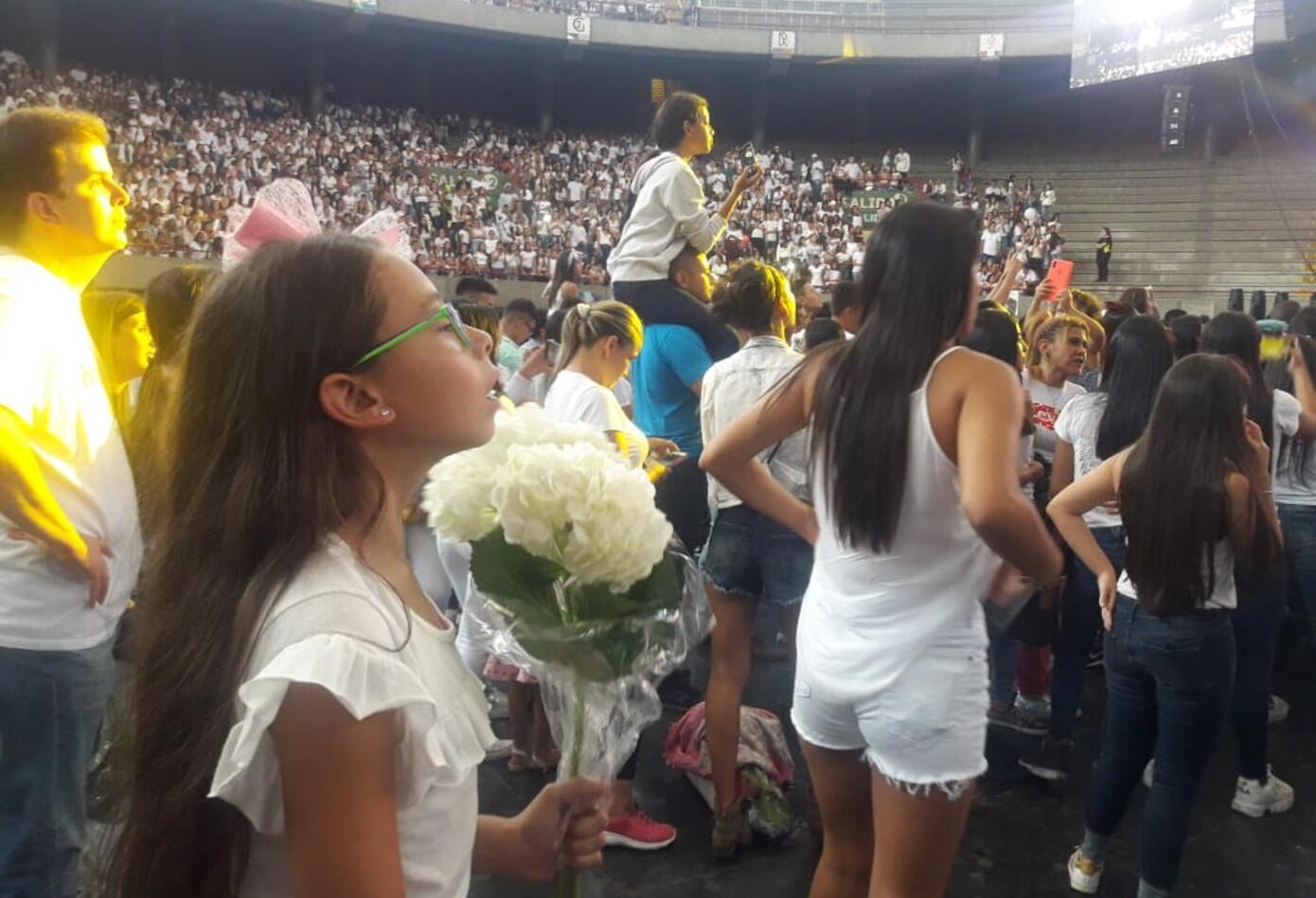Miles de seguidores llegaron a despedir a Legarda en Medellín