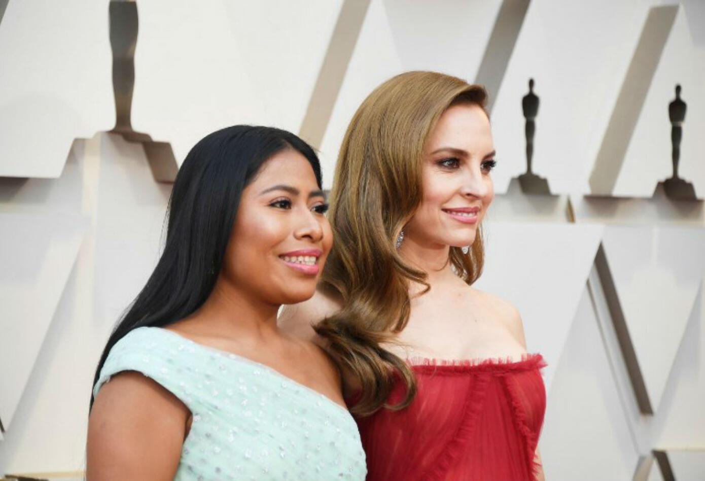 Yalitza Aparicio y Marina de Tavira llegaron juntas a los Premios Óscar 2019.