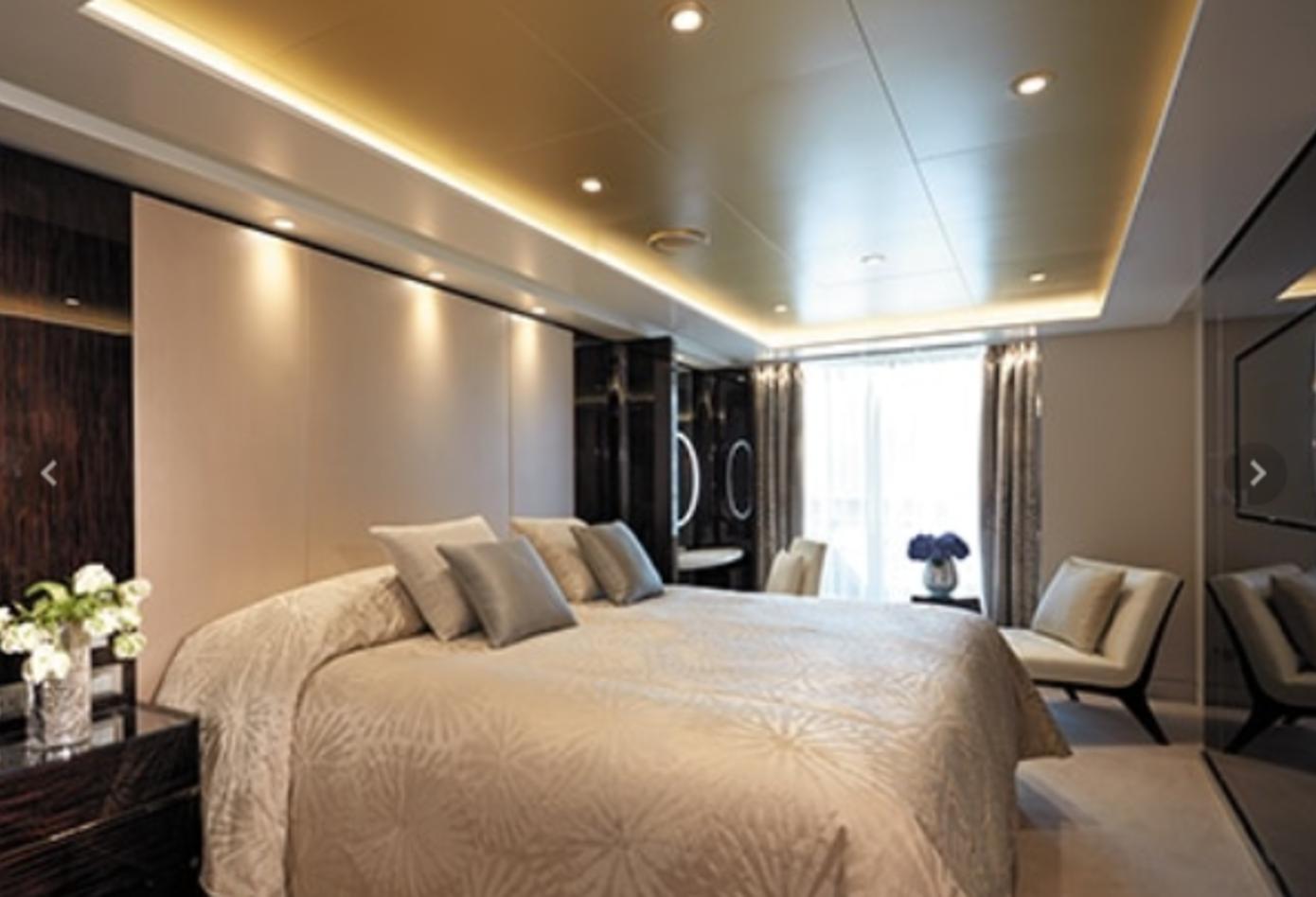 Una de las habitaciones más lujosas del crucero.