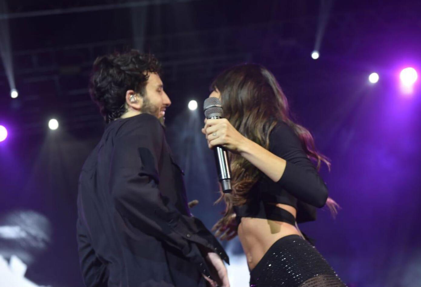 Beso de Sebastián Yatra y Tini Stoessel en Buenos Aires