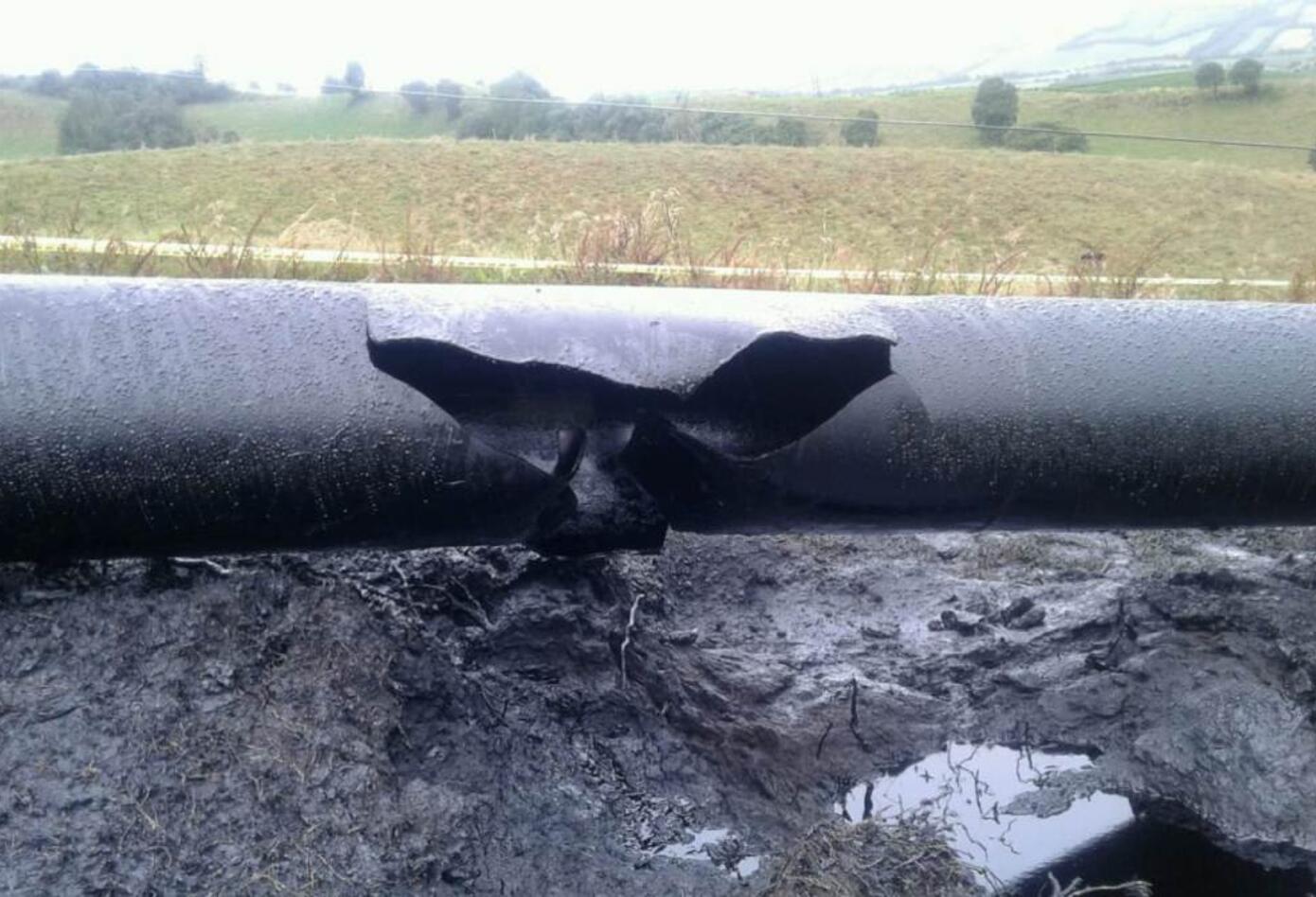 El Tubo sufrió ruptura por la explosión.