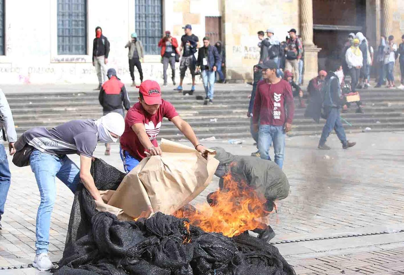 Manifestaciones en la Plaza de Bolívar 25 de abril de 2019