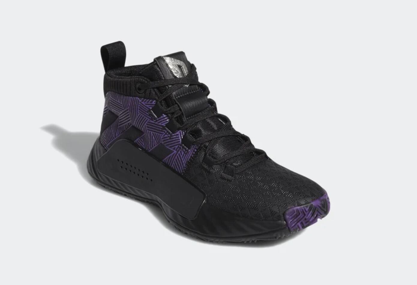 Tenis con el diseño de la Pantera Negra de Adidas