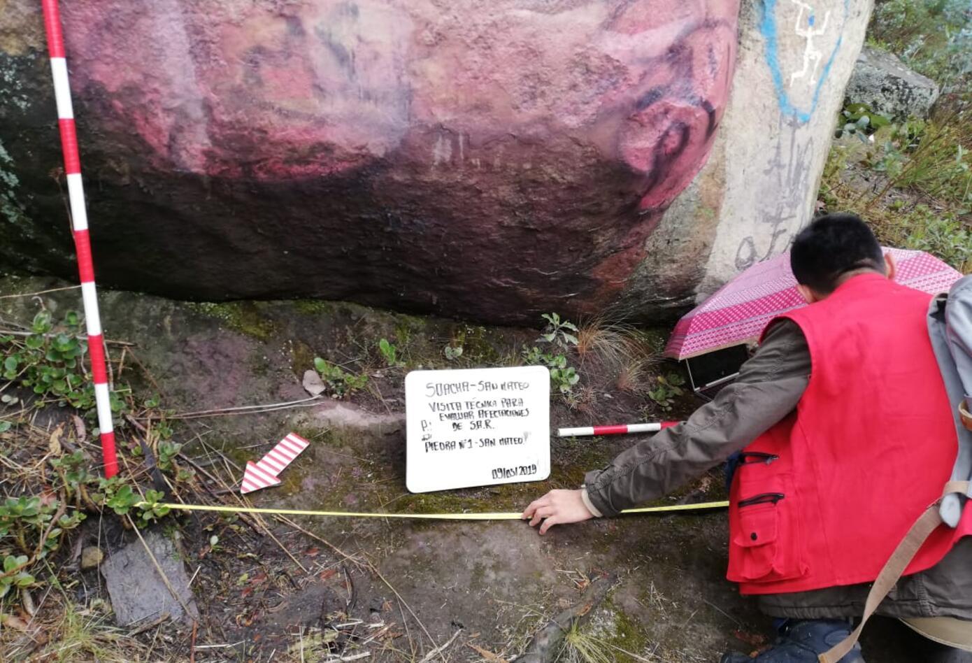 Rocas milenarias vandalizadas en Soacha intentan ser rescatadas