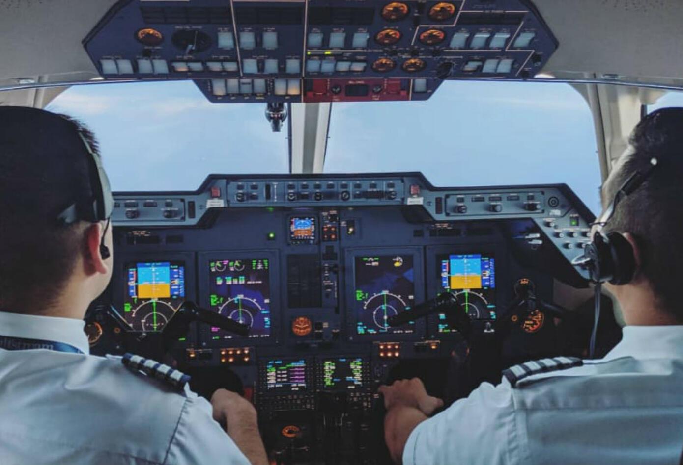 Pilotos del avión de Silvestre Dangond