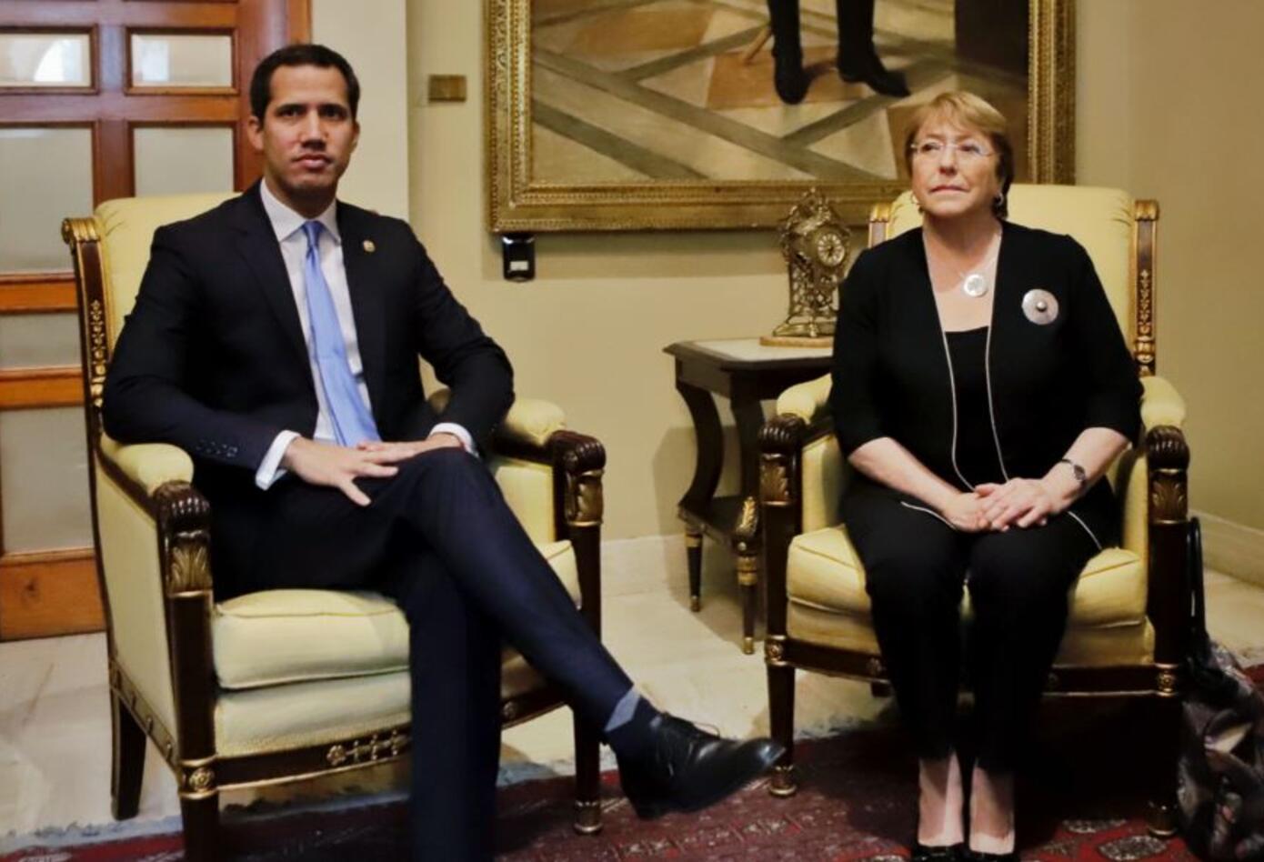 Juan Guaidó con Michelle Bachelet