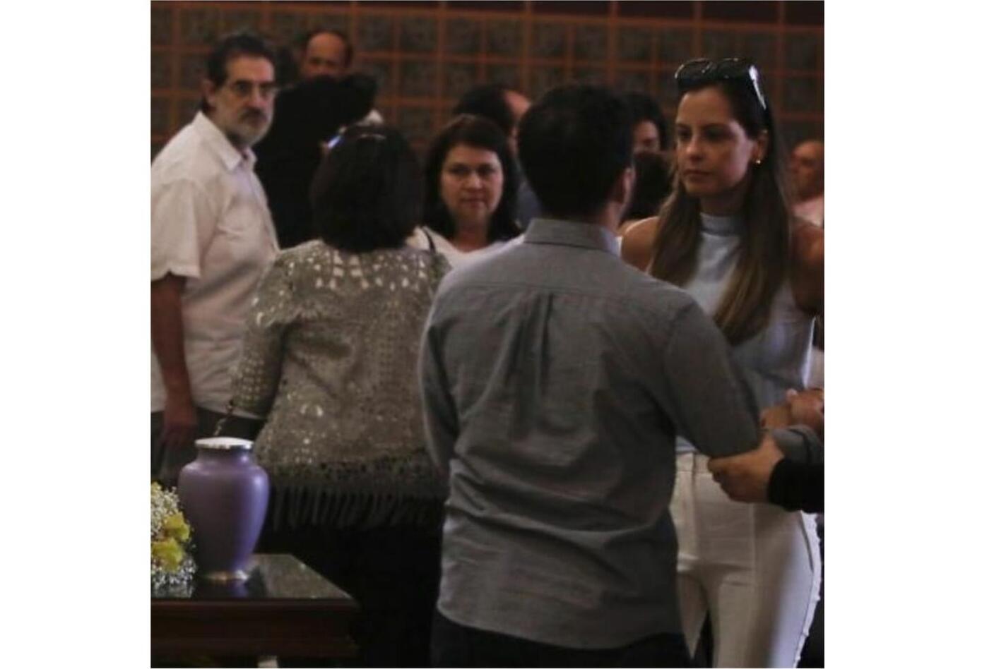 Laura Acuña así participó en la ceremonia de despedida de Jota Mario.