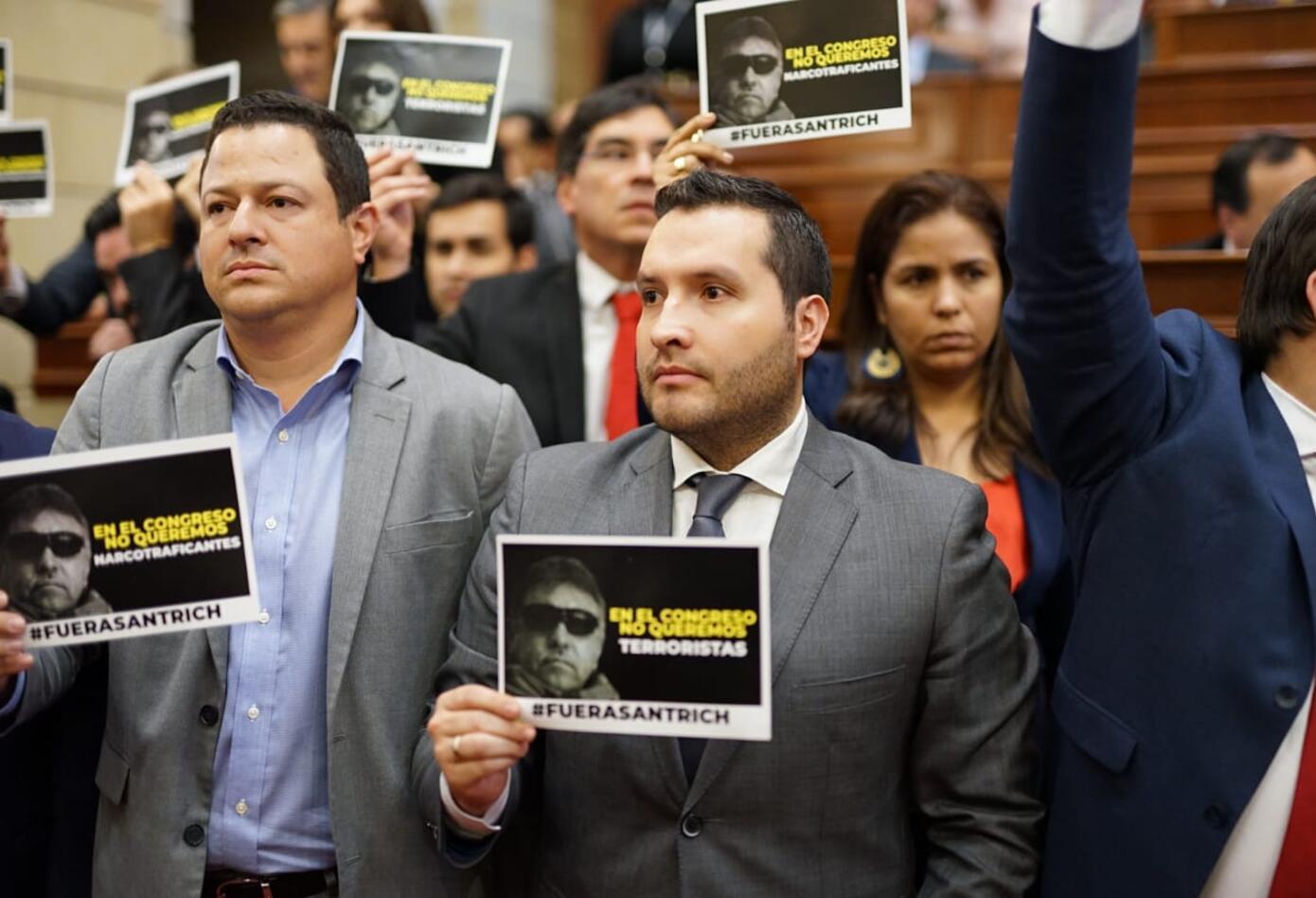 Varios partidos protestaron por la presencia de Santrich en la Cámara