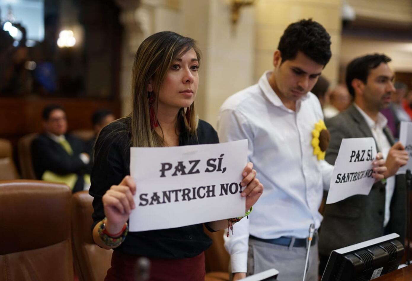 Varios partidos protestaron por la llegada de Jesús Santrich en la Cámara