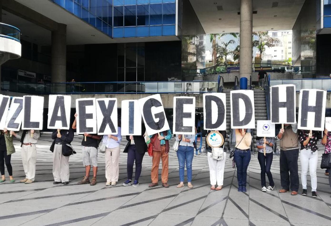 Protestas en visita a Caracas de Michelle Bachelet