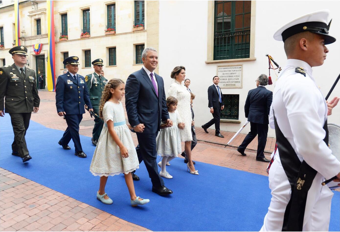 Iván Duque argumentó hace meses que, como cualquierciudadano común y corriente, podía salir a trabajar en el Palacio luego regresar hacia su apartamento en el norte de Bogotá.