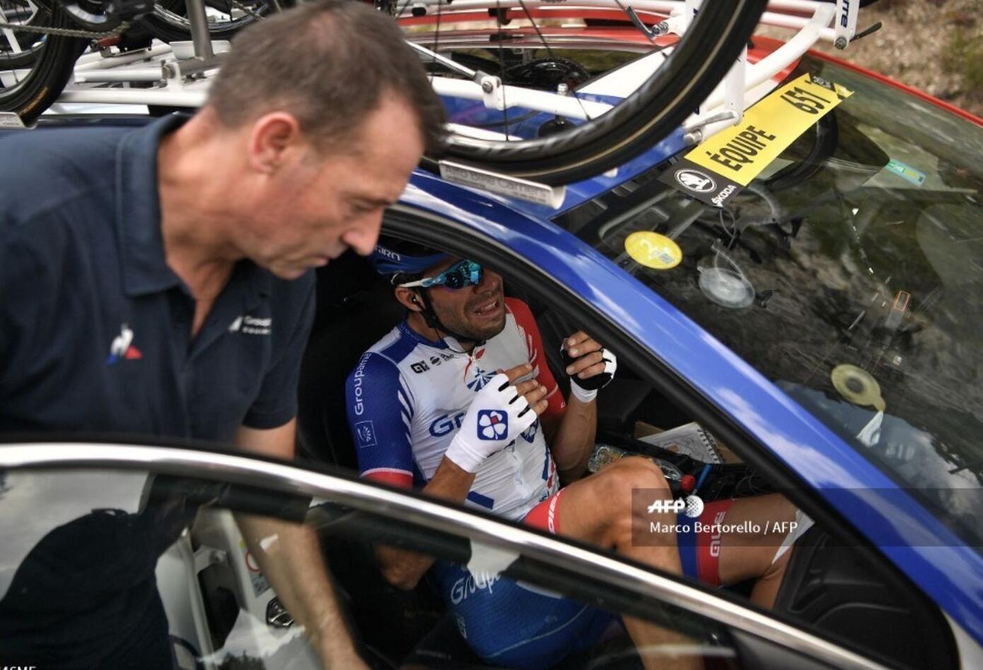 El ciclista del Groupama acudió al coche médico a falta de 93 kilómetros