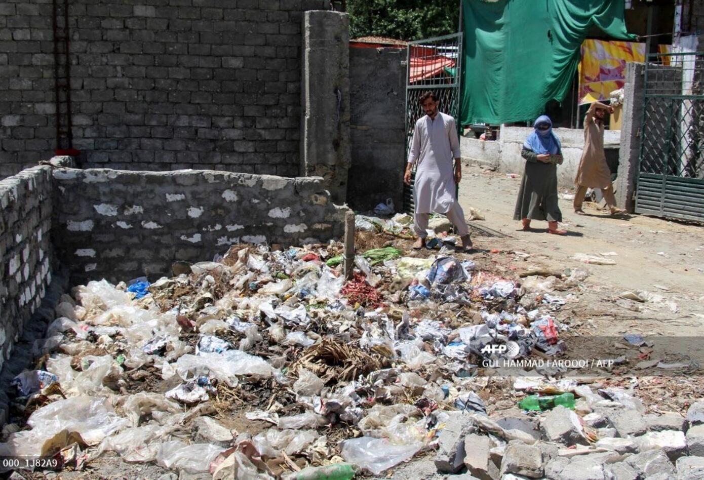 """Económica y práctica, la bolsa de plástico se volvió """"cultural"""" en Pakistán"""