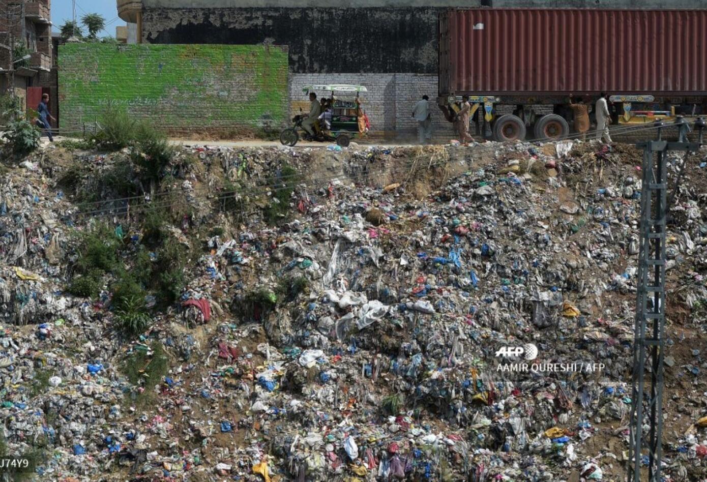 Cada año se producen 55.000 millones de bolsas en Pakistán