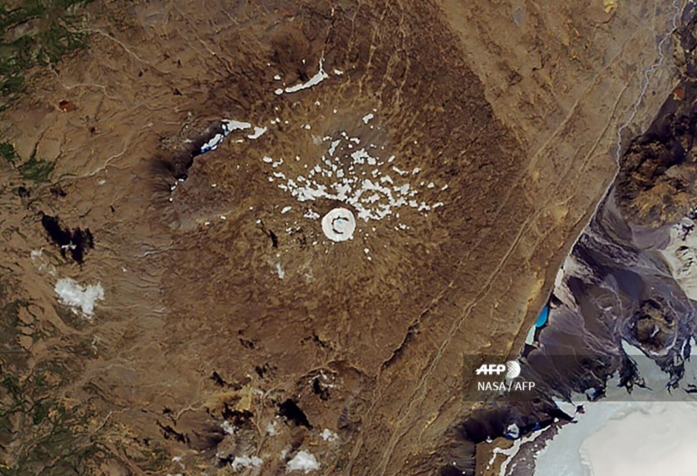 El hielo de Okjokull, que cubría aún 16 km2 de superficie en 1890, ya no ocupaba más de 0,7 km2 en 2012, según un informe de la universidad de Islandia en 2017.