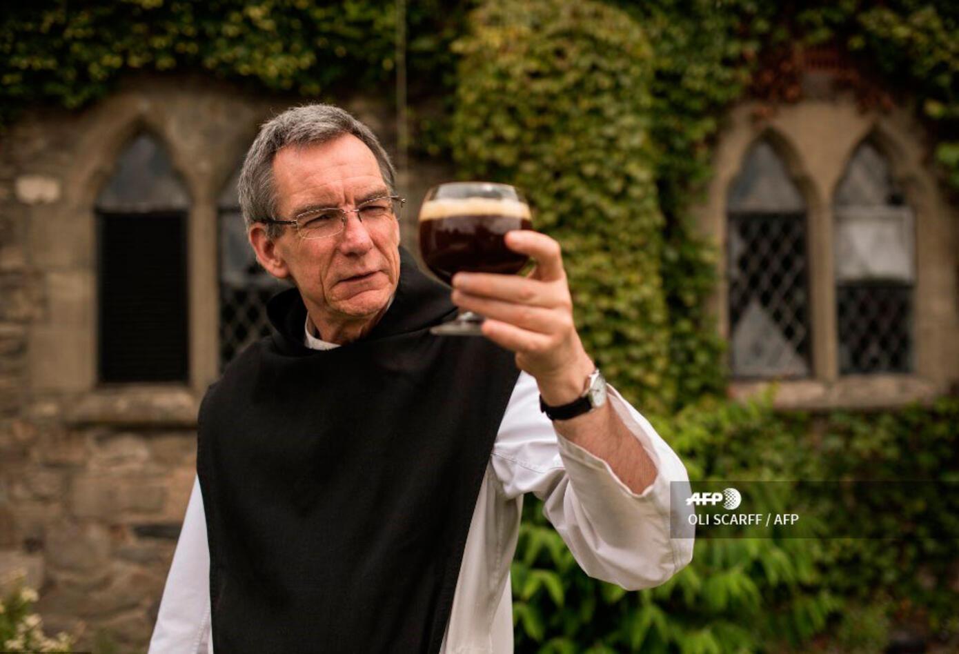 El monasterio de unos veinte monjes decidió en los últimos años abandonar la leche y apostar por el alcohol.
