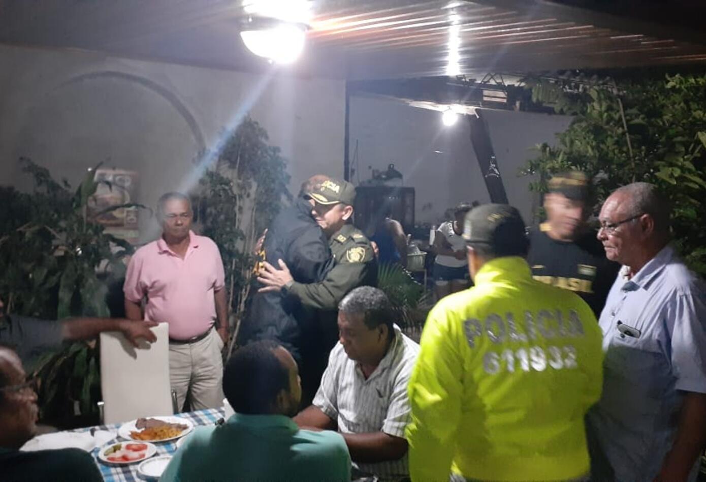 Conocido su regreso familiares, amigos y autoridades se reunieron con el ganadero