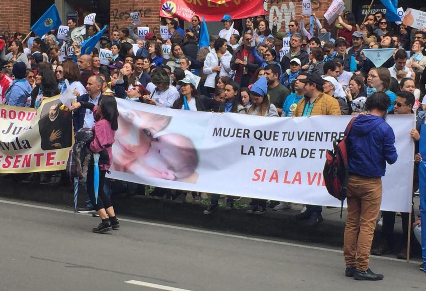 Manifestación contra resolución del Minsalud que aborda la práctica del aborto.