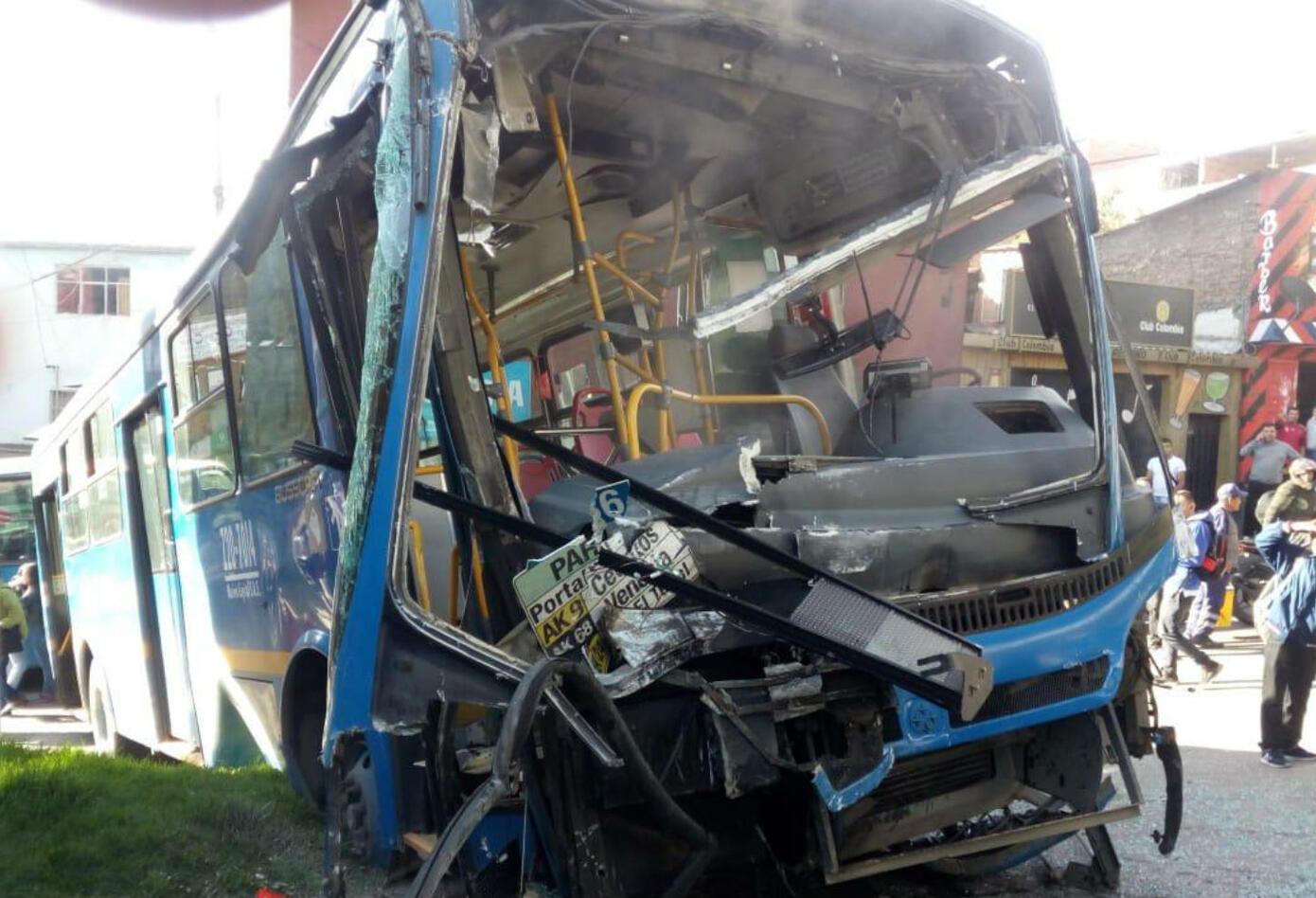 Accidente de bus del Sitp en el sector Lucero, sur de Bogotá.