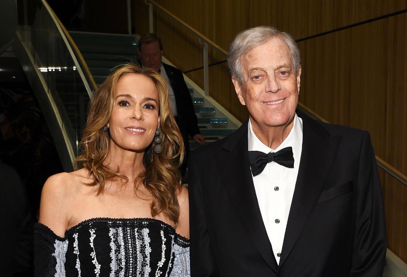 Julia Flesher Koch entró en el top tras heredar la fortuna de su esposo, David Koch.