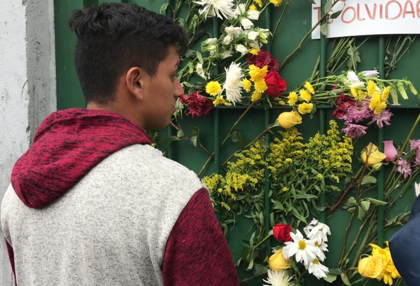Dolor y pesar en el colegio de Dilan Cruz, tras su muerte.