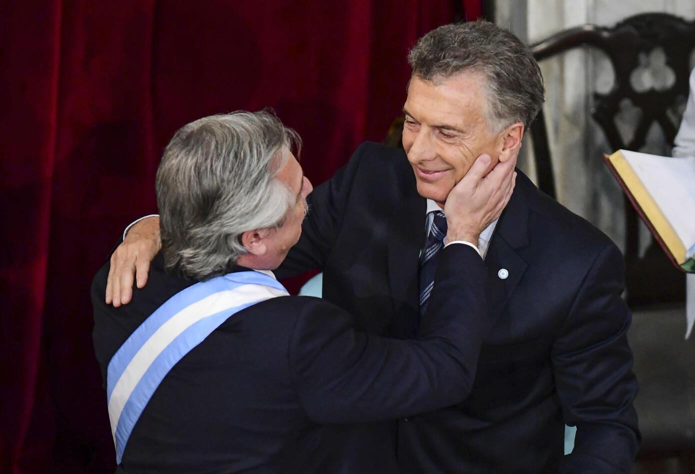 Alberto Fernández y Mauricio Macri en el traspaso de mandato