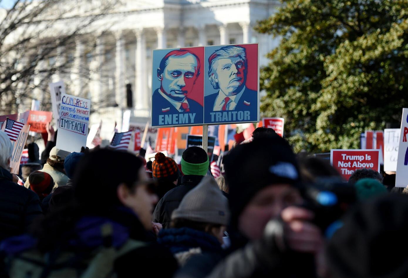 Protestas a favor de juicio político contra Trump