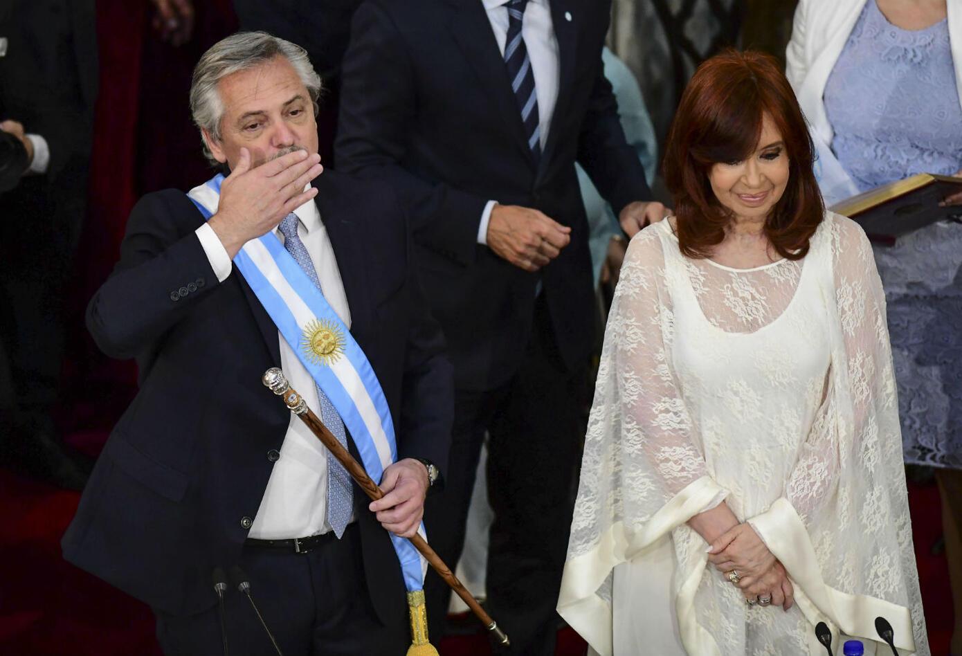 Alberto Fernández y Cristina Fernández asumen el poder