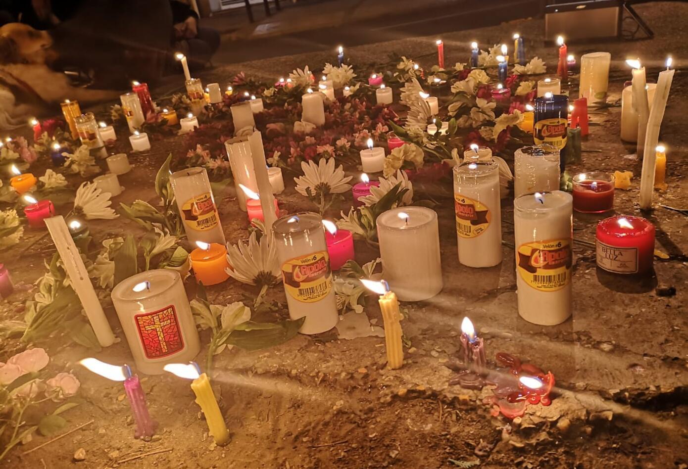 En el Parkway se rindió homenaje a la pareja de esposos que fueron asesinados en Santa Marta.