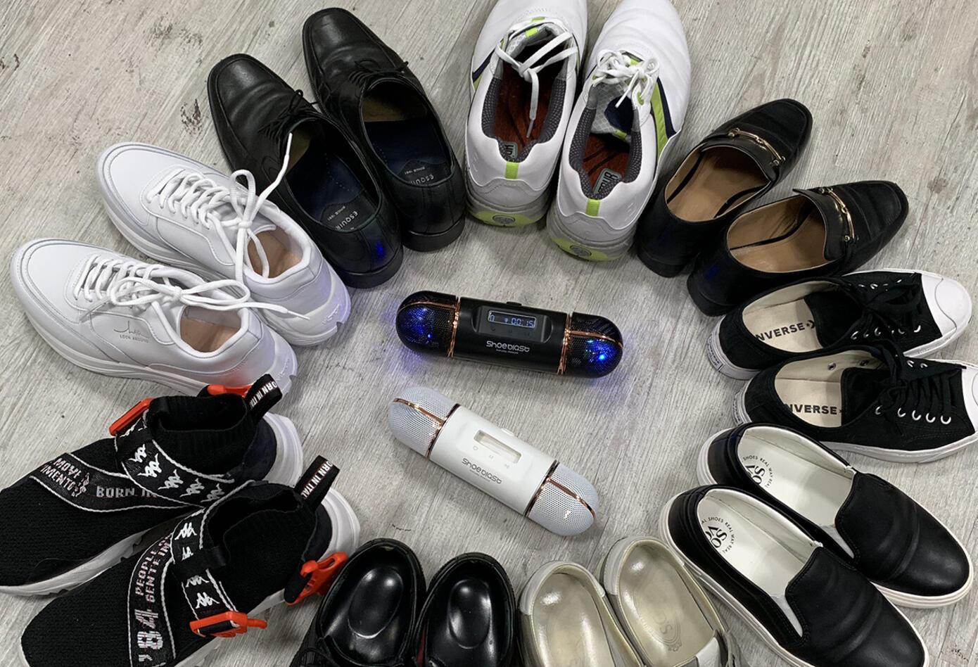 ShoeBlast elimina los malos olores en diferentes zapatos