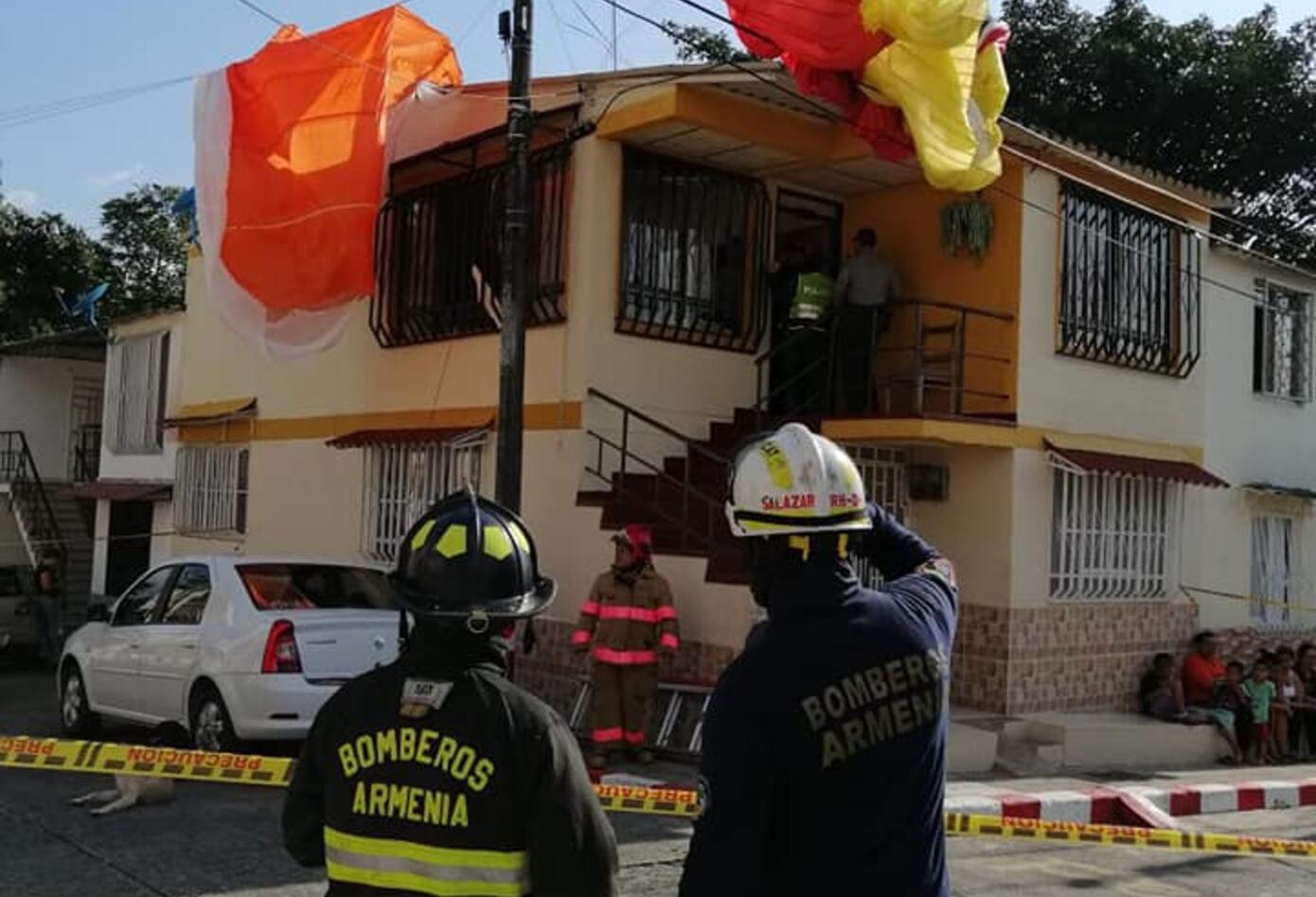 Parapentista caido en Armenia, Quindío - Bomberos Oficiales