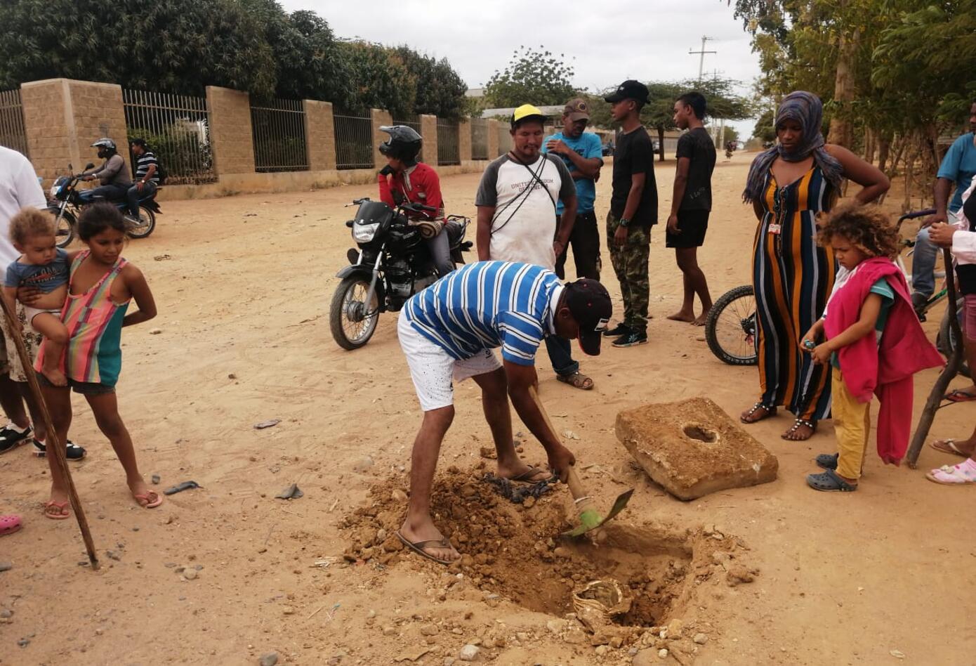 Habitantes rompen las válvulas desesperados en búsqueda de agua