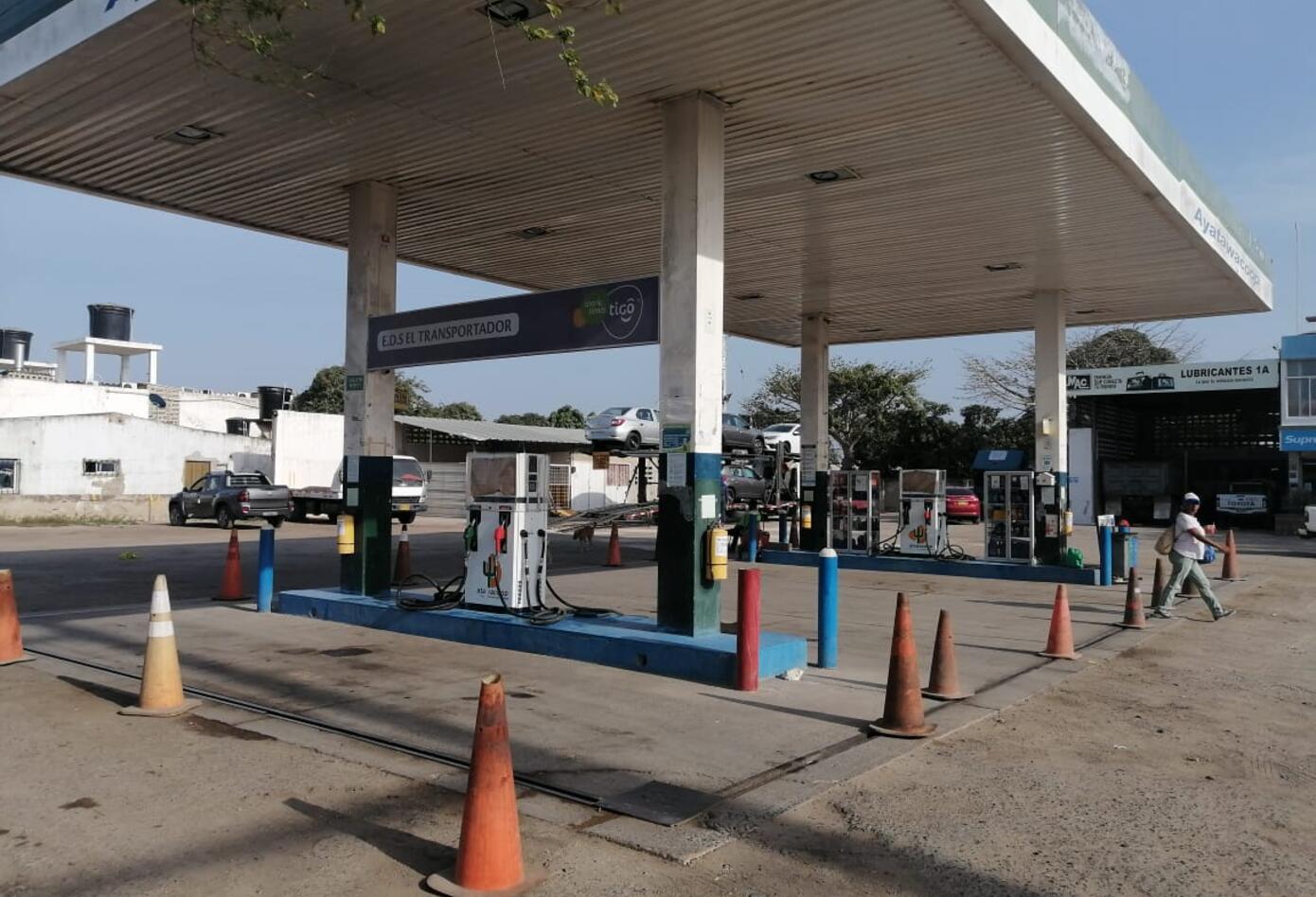 así permanecen las estaciones de combustible en La Guajir