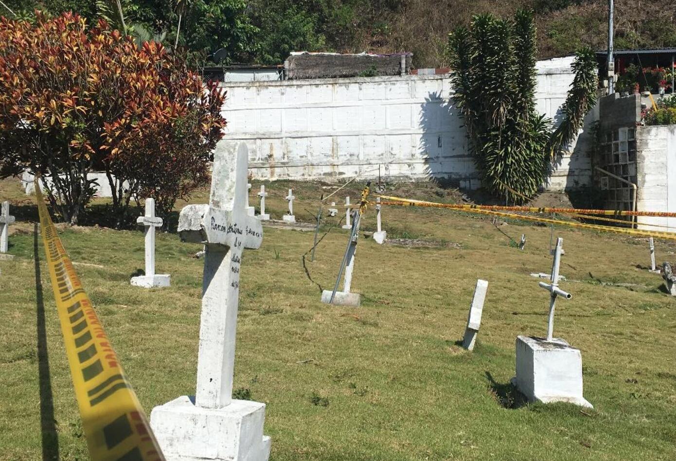 Han sido los mismos campesinos y agricultores de Dabeiba quienes han ayudado con las excavaciones en el cementerio Las Mercedes.