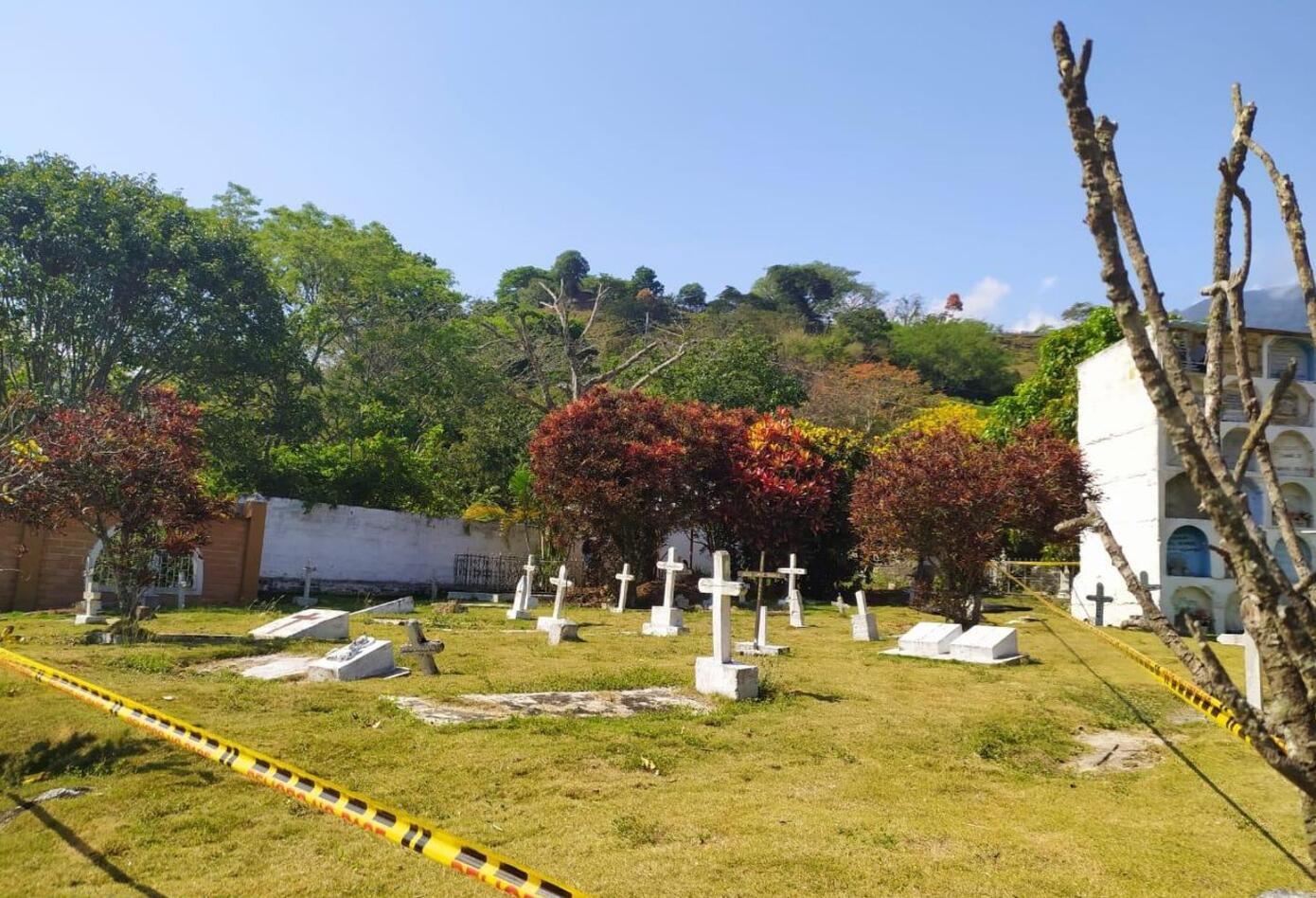 El objetivo de los labriegos es hallar restos óseos, justo en los sectores del camposanto, que fueron demarcados por la Jurisdicción Especial para la Paz (JEP).