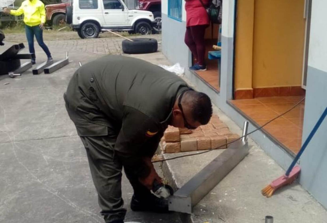 La Policía encontró el estupefaciente al interior de unas lampara solares.