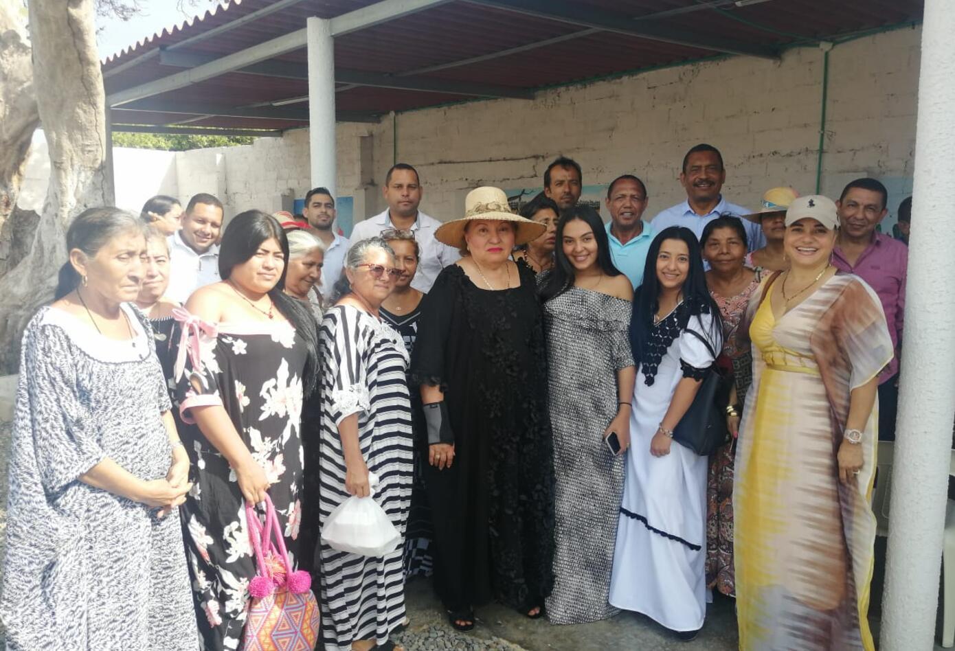 Mujeres wayuu exigen a la ministra cumplirle la palabra