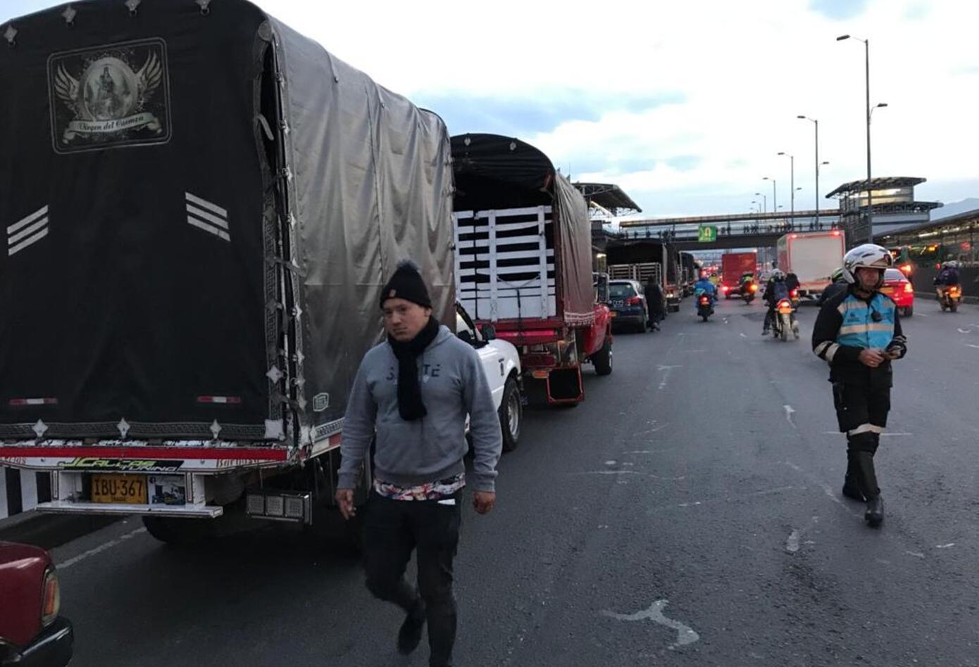 Protesta de camiones de carga liviana en Bogotá