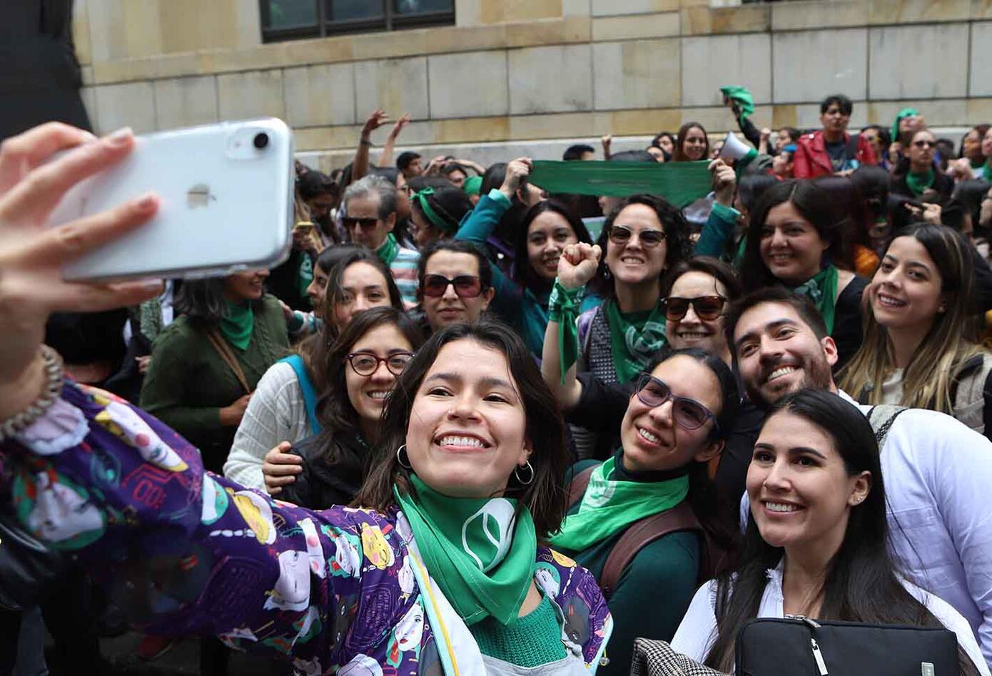 Más de 30 docentes del país entregaron a la Corte una carta abierta en la que piden a los magistrados despenalizar el aborto en Colombia.