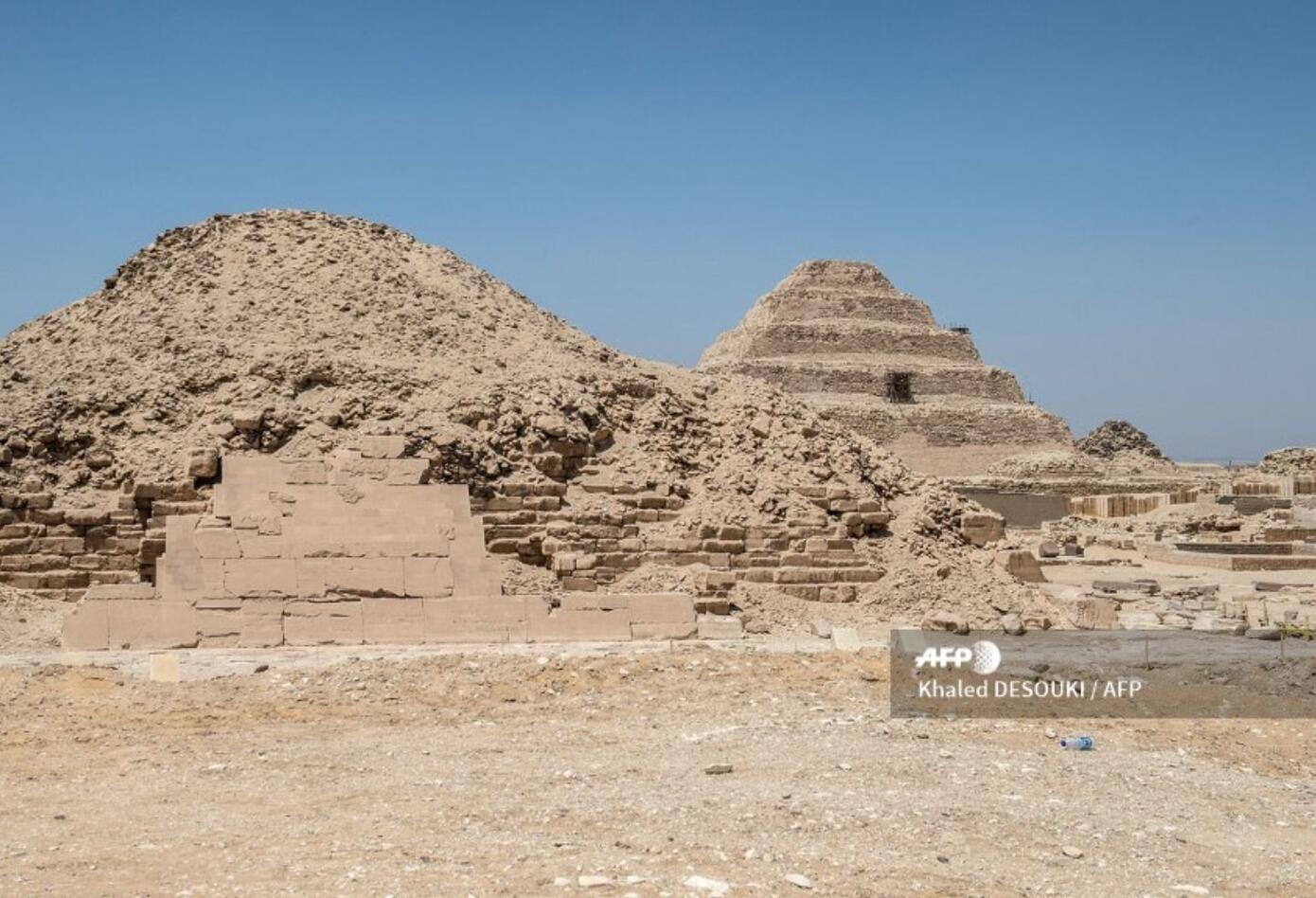 En las últimas horas, la pirámide del faraón Zoser reabrió al público tras varios años de trabajos de restauración.