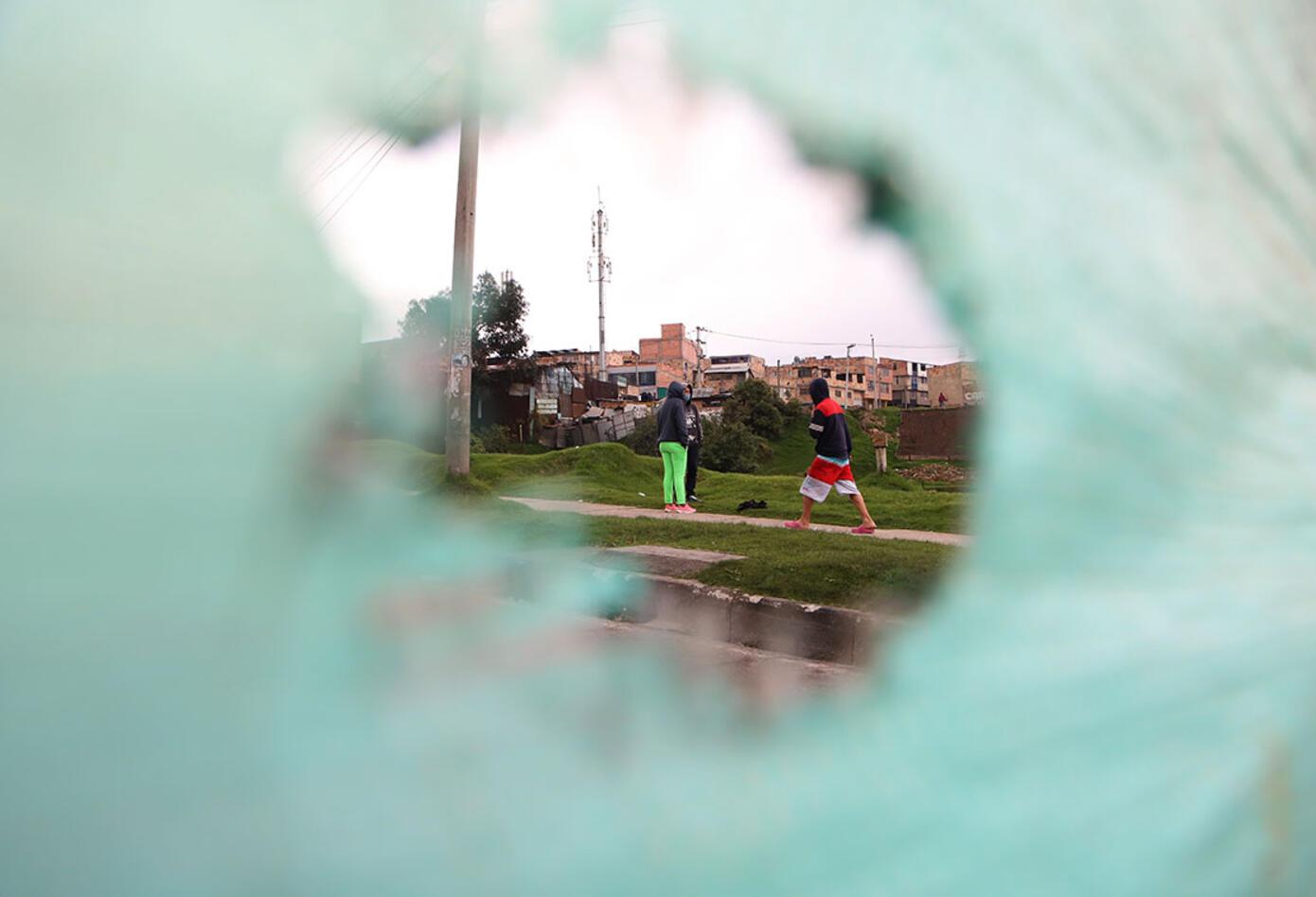 Acusó a concejales y ediles de Bogotá de estar detrás de las protestas.