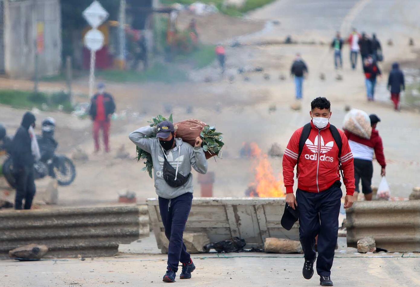 """""""No voy a permitir que ningún politiquero se aproveche de la necesidad de la gente"""", dijo Claudia López."""