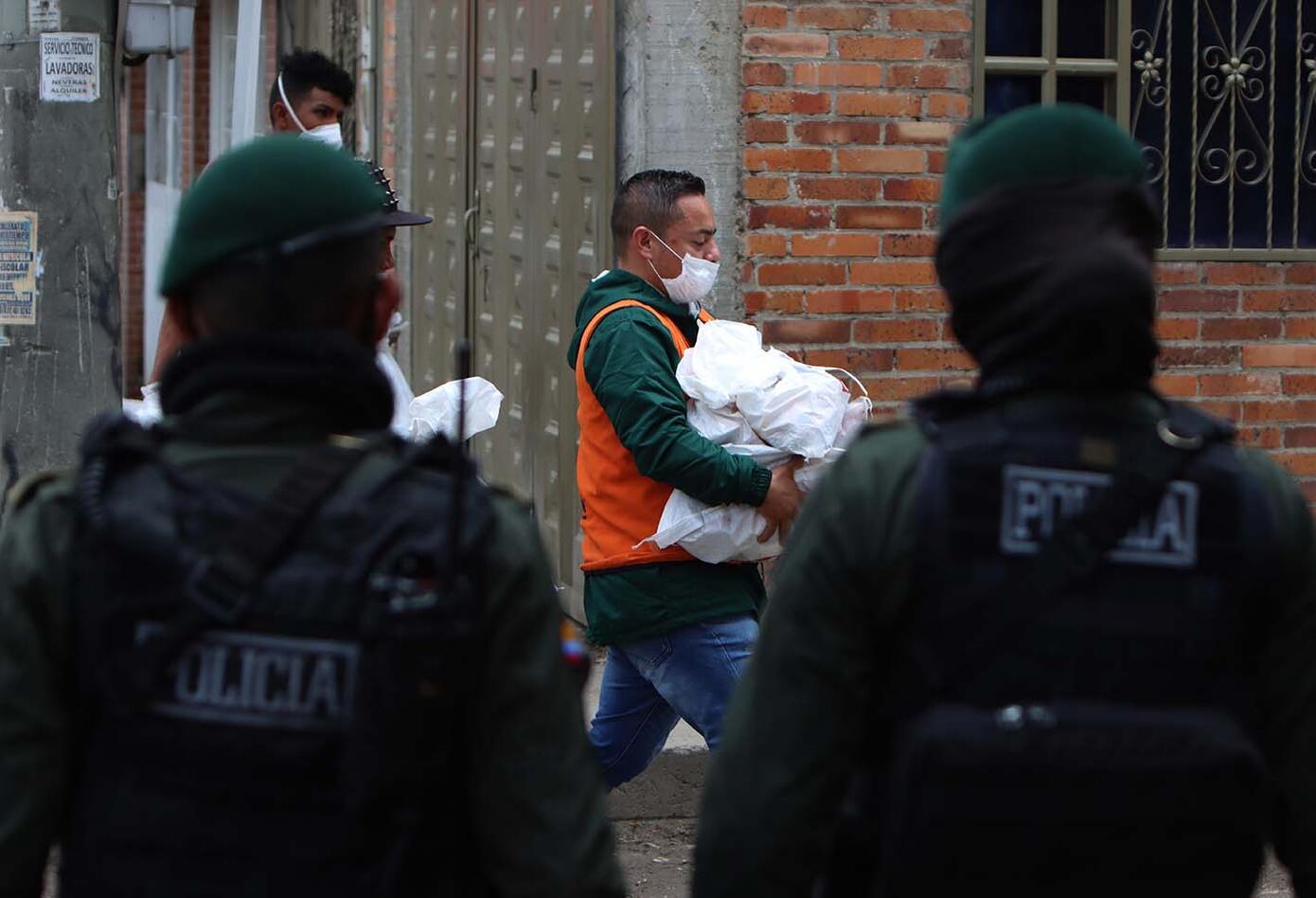 Entrega de ayudas en cuarentena / Ciudad Bolívar, sector La Playita