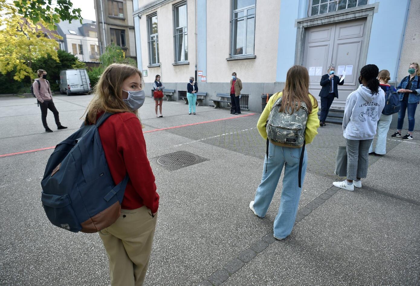 Coronavirus en Bélgica / Distanciamiento de niños en colegios