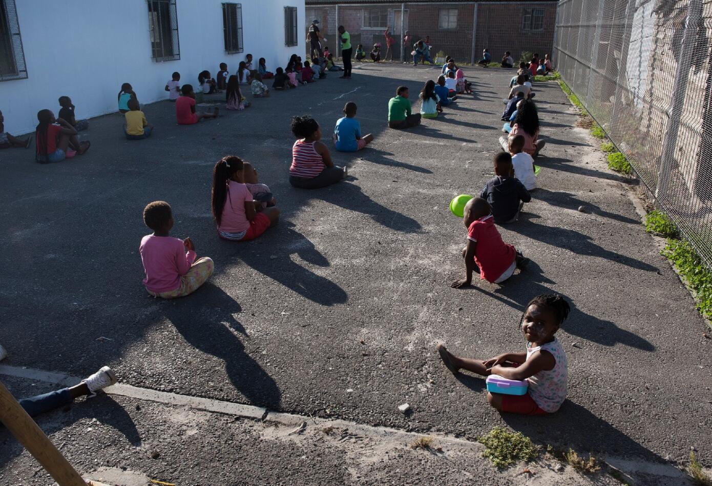 Coronavirus en Sudáfrica / Distanciamiento de niños en guarderías