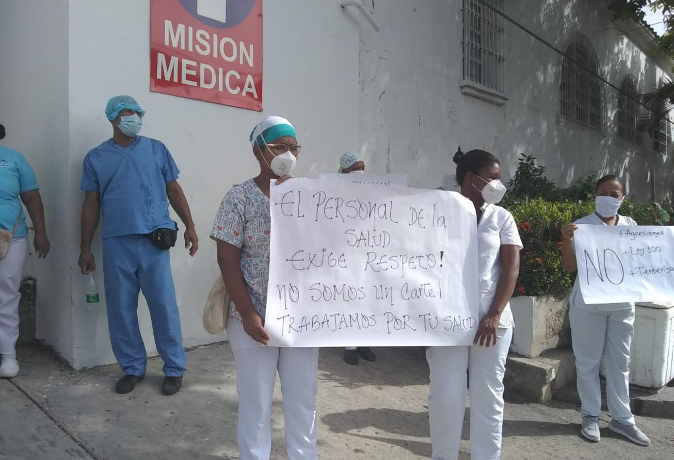 Los médicos salieron a las calles a protestar.